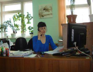 Гидролог ОГП Бордокова В. Г. консультирует специалистов Челябинского ЦГМС по ОЯ в реке Ай.